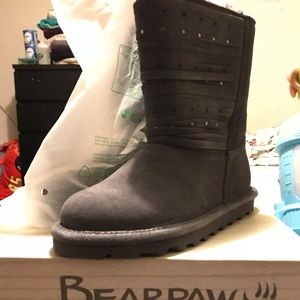 Bear paw boot